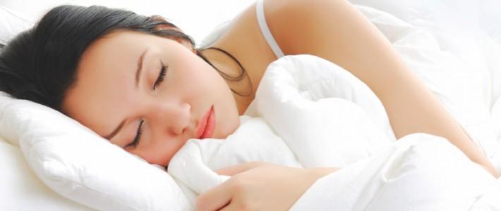 ¿Qué tejidos son los más frescos para dormir bien en verano?