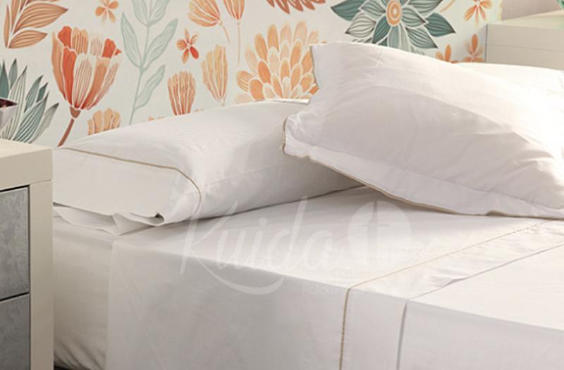 Ropa de cama contraste color blanco