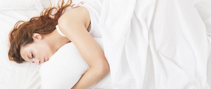 ¿Es bueno dormir sin almohada? ¡Descúbrelo ahora!